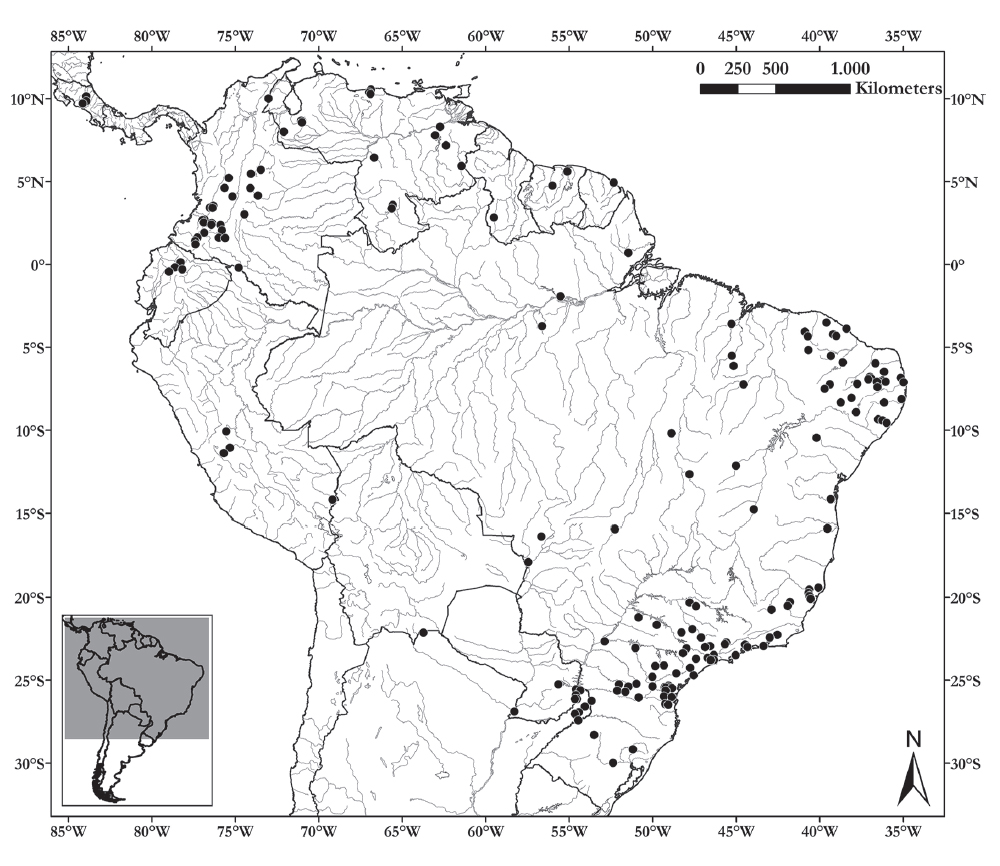 Distribution of the specimens of tigrinas (L. tigrinus group) studied. Black dots correspond to the specimens from scientific collections.